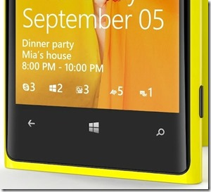 WP8 Lockscreen comes out to play, hello skype